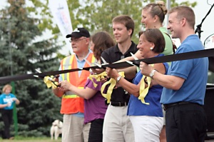 Cutting Ribbon at Davenport Grand Opening Phil Hewitson, Councillor Melissa Durrell, Councillor Jeff Henry, Elizabeth Witmer MPP and Peter Braid MP.
